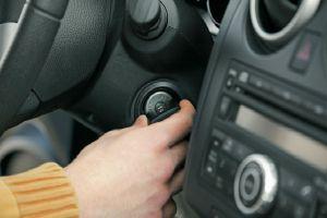Arranca el auto