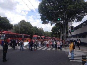 18-08-2016 Bloqueo afecta por horas la circulación en Av. Té en la Del. Iztacalco. Vía @espanialuis79