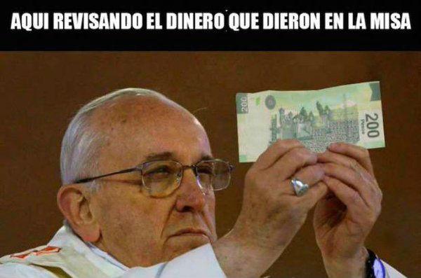 Meme Aqui revisando el dinero BlueReport