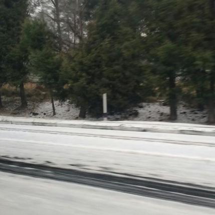 Autopista a Cuernavaca a la altura de la Cima. Vía @lou_rev