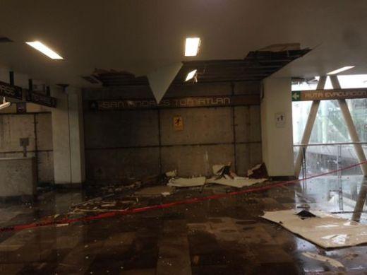 Lluvias destrozan estación del @Metro San Andrés Tomatlan
