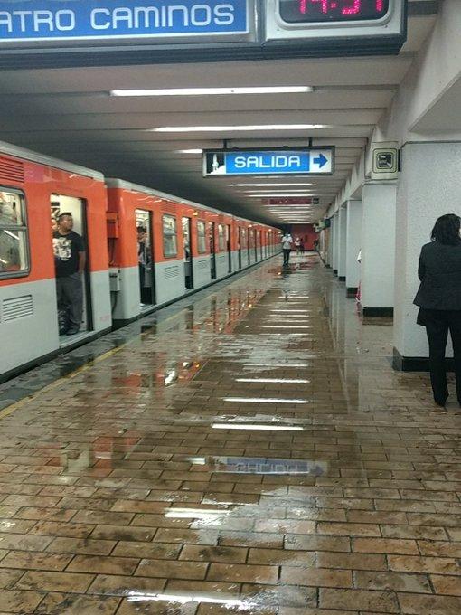Afectaciones por lluvias en la línea 2 @antoniornelas