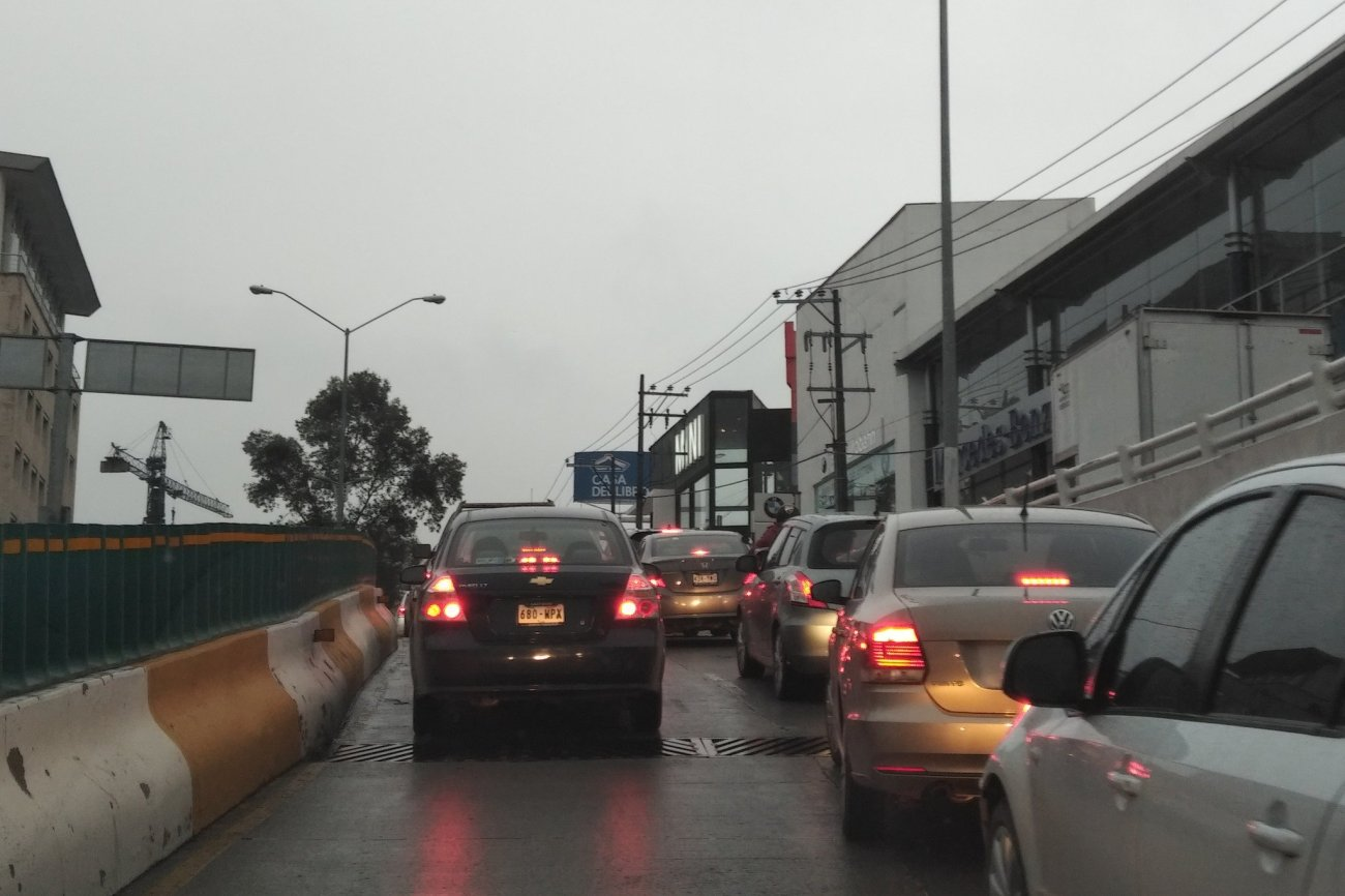 Por intensas lluvias se complica la circulación en Huixquilucan @rosario_lievana