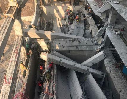 Abril Colapsa estacionamiento en construcción en la Álvaro Obregón. Via @RaulEsquivel