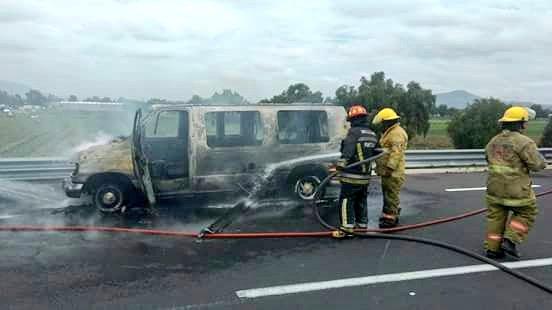 Agosto Accidente en la autopista Texcoco-Pirámides, Vía @alertasurbanas.